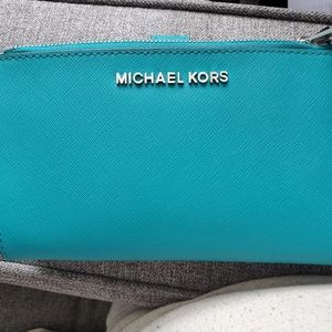 New Michael Kors smartphone wallet